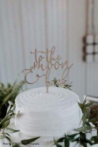 Simple modern white wedding cake